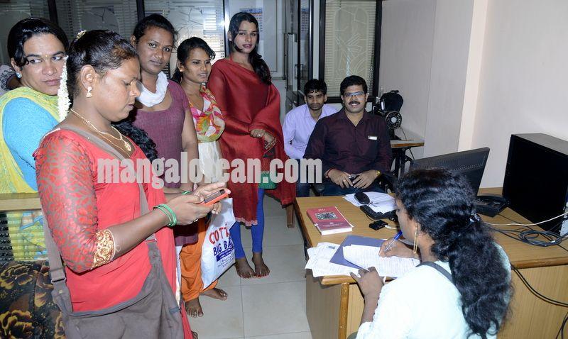 image002transgender-aadhaar-camp-mangalorean-com-20161229-002