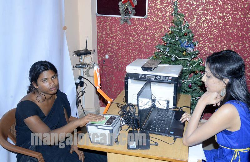 image005parivarthana-aadhaar-camp-mangalorean-com-20161231-005