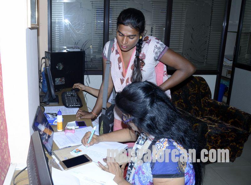 image006transgender-aadhaar-camp-mangalorean-com-20161229-006