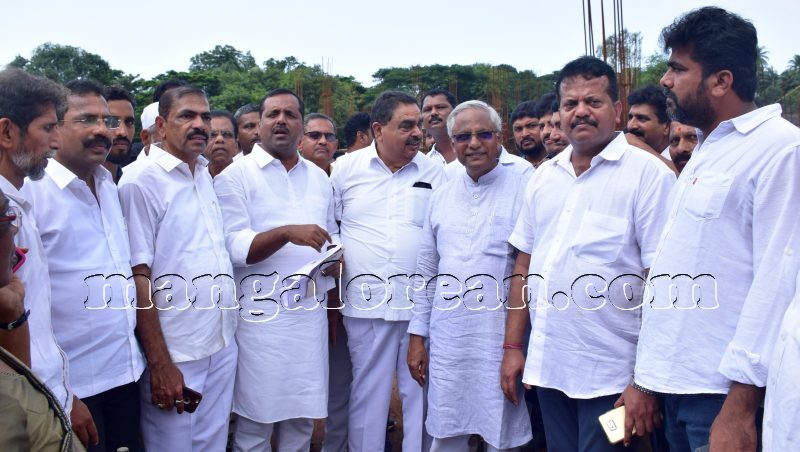 minister khader new dc office sight inspection5 mangalorean