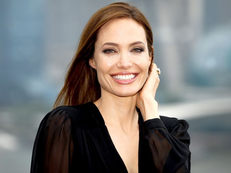 Image result for Angelina Jolie over night dinner bonds with father
