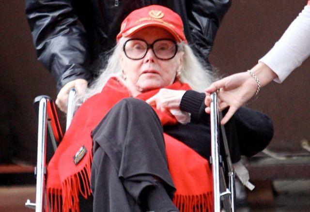 Hollywood Mourns Zsa Zsa Gabors Demise Mangaloreancom