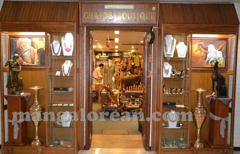 Home Decor Accessories Experience Incredible India At Crafts Boutique For Finest Hand
